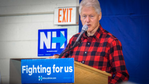 Bill Clinton Campaigning for Hillary in New Hampshire (photo by Ted Eytan from Flickr https://www.flickr.com/photos/taedc/24869612816)